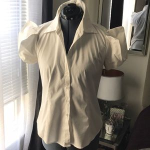 Tops - White over exaggerated sleeves button down ✨